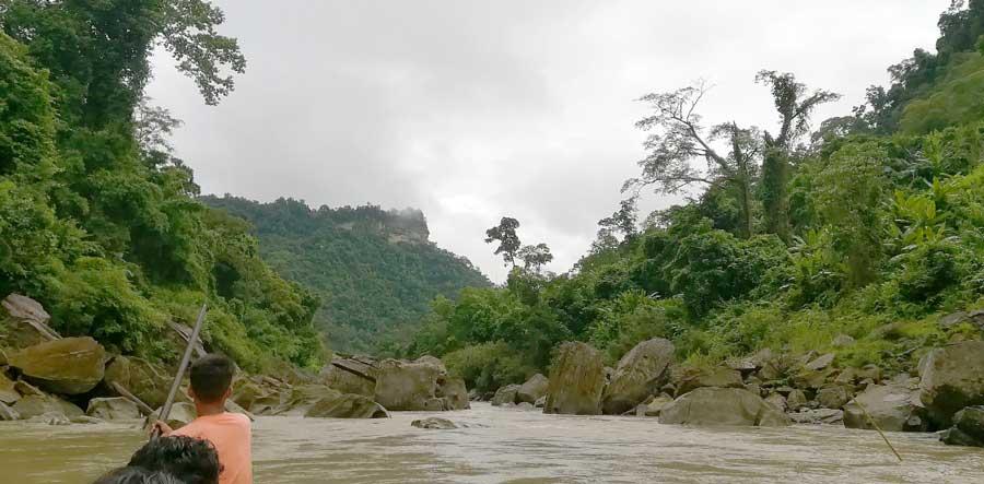 নয়নাভিরাম পাথুরে নদী