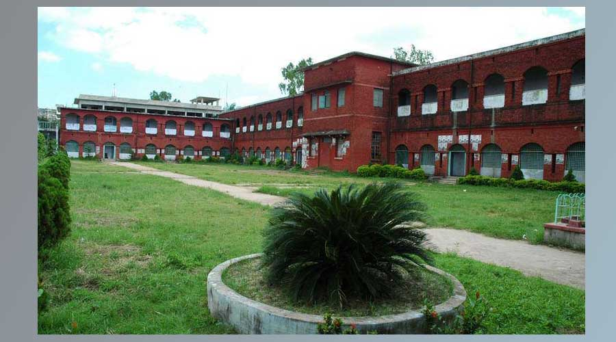 চট্টগ্রামের প্রথম সরকারি স্কুল